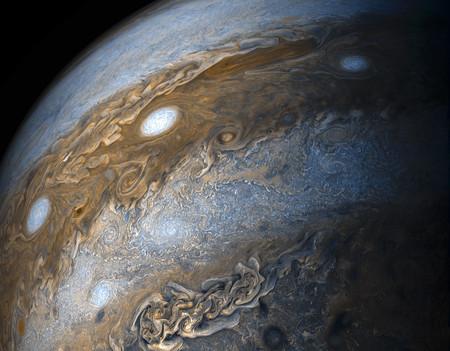 Un aficionado crea un vídeo con su propio software que nos acerca a Júpiter como si nos montásemos en la sonda Juno
