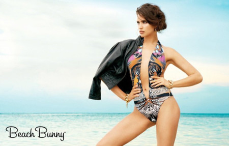 Traje Irina Shayk Beach Bunny