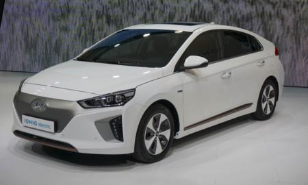 El Hyundai Ioniq tendrá toma de recarga CSS Combo