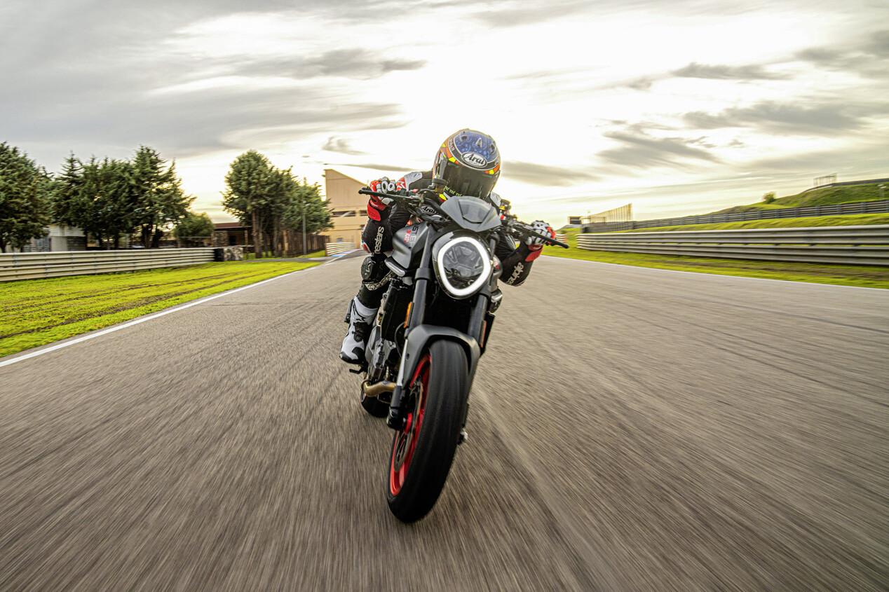 Foto de Ducati Monster 2021 (12/20)