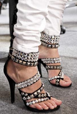 Zapatos de Balmain en Zara, sigue el clonehunting