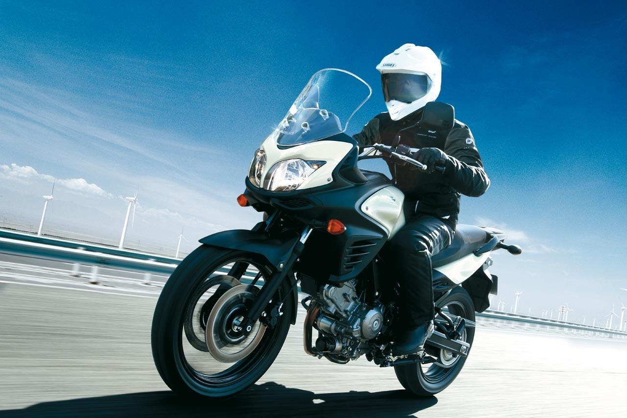 Suzuki V-Strom 650 2012, fotos de ambiente y accesorios