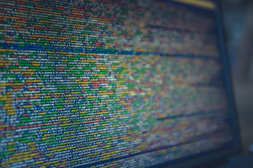 17 desarrolladores nos cuentan qué lenguaje de programación elegirían para empezar desde cero y por qué