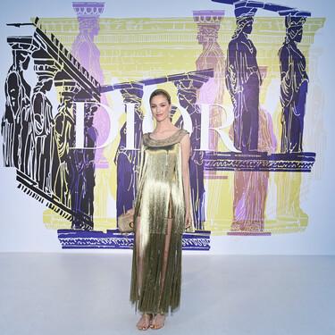 Así han sido todos los looks de las invitadas al front row de Dior: Beatrice Borromeo, Anya Taylor Joy y Cara Delevingne han brillado 'literalmente'