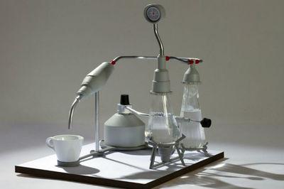 Cafetera exprés de laboratorio. Diseño científico a la hora del café