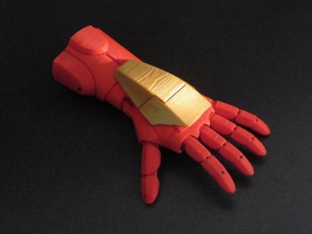 Esta prótesis impresa en 3D permitirá a los niños tener una mano como la de Iron Man