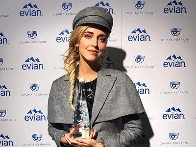 Pídete a Chiara Ferragni en el restaurante (en formato agua para Evian)