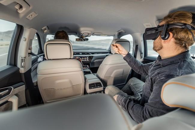 De pasajeros a copilotos. La realidad aumentada cambia el Audi e-tron por la nave de 'Los Guardianes de la Galaxia'
