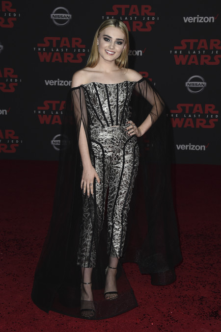 star wars ultimo jedi alfombra roja look Meg Donnelly