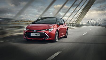 ¿Por qué hay cuatro coches de Toyota en el Top 5 de híbridos más vendidos?