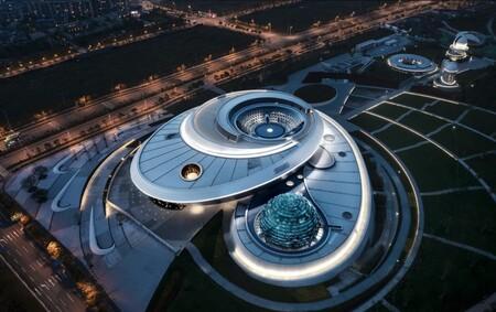 El museo de astronomía más grande del mundo abre en Shanghái: la nueva atracción china son 39.000 metros cuadrados dedicados al espacio