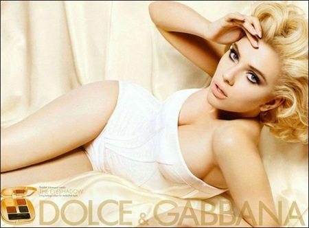 Scarlett Johansson luce bellísima para Dolce & Gabbana