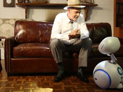 ¿Necesitas un robot de compañía? ASUS tiene uno que graba y controla la casa conectada