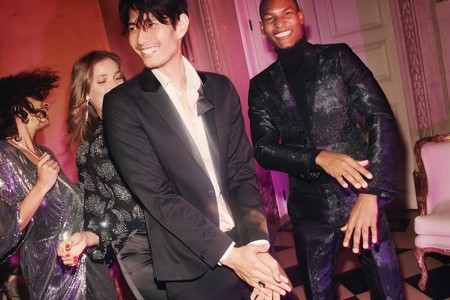 Los looks de fiesta de H&M nos enseñan a lucir el total black en todas sus facetas