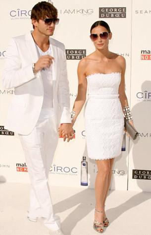 Demi Moore fabulosa en blanco