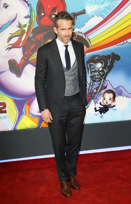 Ryan Reynolds Falla Con Su Look De Tres Piezas En La Premiere De Deadpool 2 En Londres 2