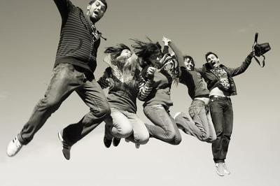 El desempleo juvenil ya asciende al 57,2 % del total