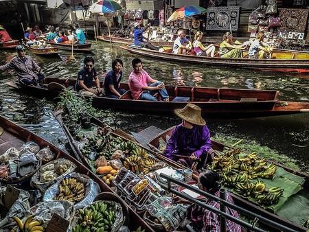 Un recorrido por los mercados flotantes de Tailandia: comercio, gastronomía y una experiencia que hay que vivir