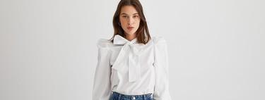 La camisa blanca puede ser una pieza moderna. Palabra de Stradivarius