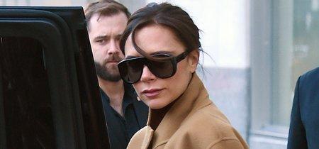 Victoria Beckham se marca el colour-block más retro con la tendencia masculina de la temporada