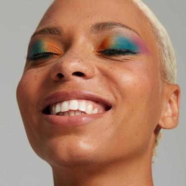 La nueva colección de maquillaje Pride de NYX, en  edición limitada, es pura fantasía multicolor