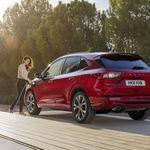 El Ford Kuga se renueva como SUV híbrido, híbrido enchufable, mild hybrid y bueno... gasolina y diésel también