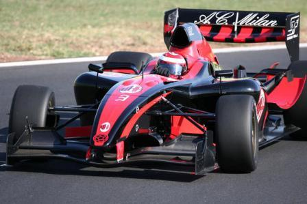 Robert Doornbos marca la pauta en los test de la Superleague Formula