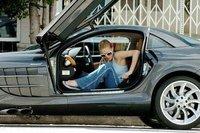Paris Hilton aparca donde le da la gana