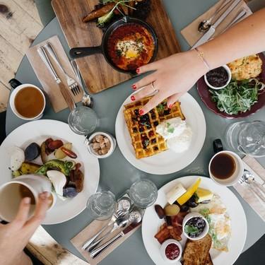 Cuando comemos por emociones buscamos en la comida lo que no podemos resolver de otra forma, según experta