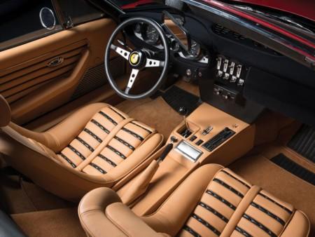 Ferrari Daytona Spider Interior