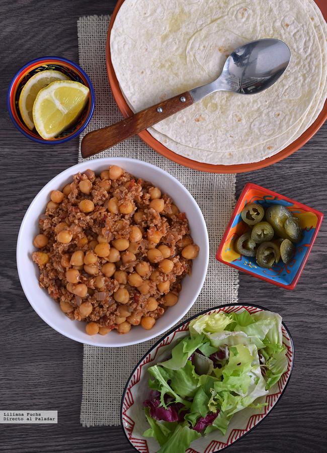 Tacos veganos de garbanzos y soja
