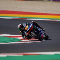 Luca Marini bate a Arón Canet y rompe el récord de Misano en Moto2 sin usar el neumático blando