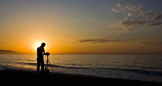 El fotógrafo del alba, Oskar Moreno