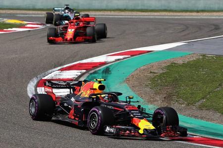 ¿Qué le está pasando a Mercedes para que Ferrari y Red Bull le hayan mojado la oreja?