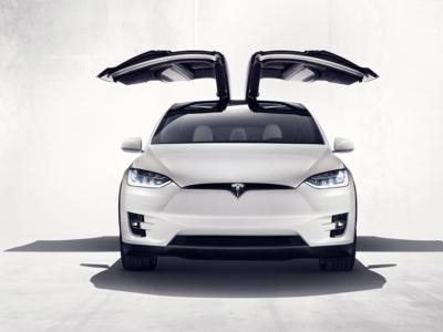 Así de espectacular es el Tesla Model X: más de 400 kilómetros de autonomía a partir de 130.000 dólares