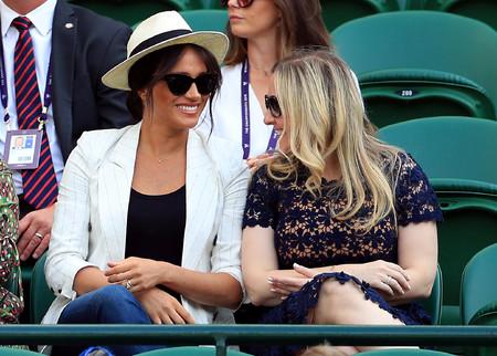 Meghan Markle acude a Wimbledon con un look cargado de básicos ideal