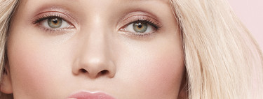Solo querremos que llegue la primavera viendo lo nuevo de Clarins y su innovadora Milky Boost, una leche de maquillaje que se transforma en el rostro