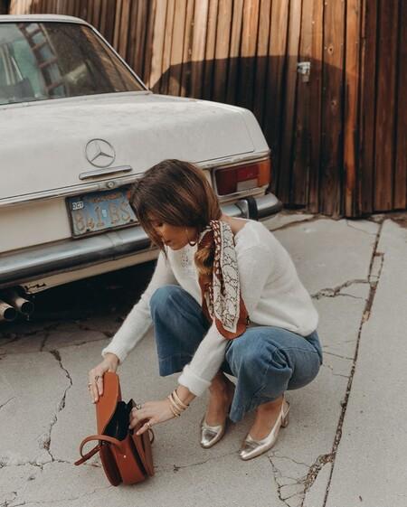 Cinco pañuelos de seda atemporales que dan mucho juego en nuestros looks este otoño (y los que vendrán)
