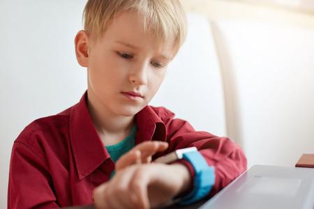 ¿Por qué Alemania decidió prohibir la venta de smartwatches para niños?