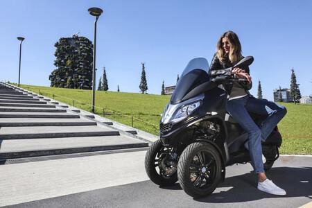 Piaggio MP3 300 Hpe: la versión más ágil del scooter de tres ruedas sube a 25,8 CV pero baja el consumo