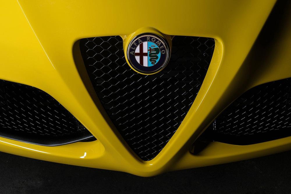 Alfa Romeo 4c Spider 64 69