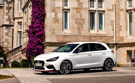 Probamos el Hyundai i30 N Performance, un compacto de 275 CV realmente deportivo y generoso en sensaciones a la vez que asequible