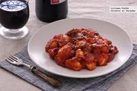 Ñoquis en salsa de tomate con salchicha. Receta