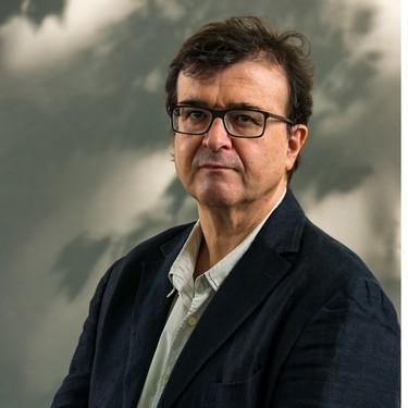 Javier Cercas y Manuel Vilas se convierten en ganador y finalista del Premio Planeta con dos novelones de los que te adelantamos los primeros detalles