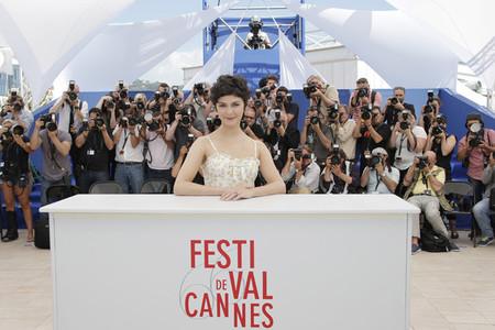 Audrey Tautou es la primera en aparecer por la alfombra matutina del Festival de Cannes 2013