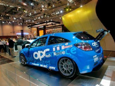 Opel Astra OPC para las 24 horas de Nurburgring
