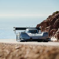 El nuevo coche más rápido en Pikes Peak es eléctrico: el Volkswagen I.D. R rompe el cronómetro