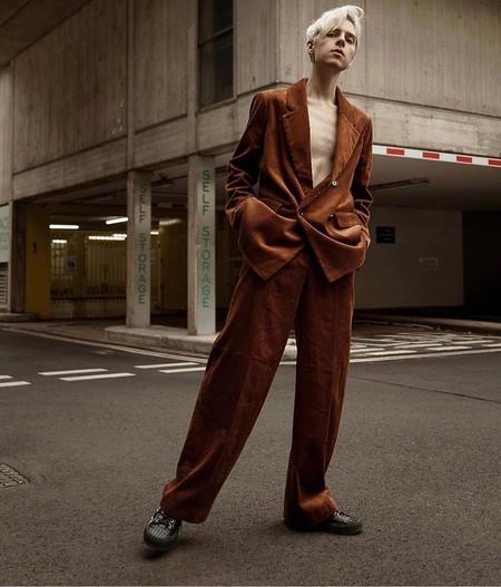 El Mejor Stret Style De La Semana Se Viste De Pana En Sus Looks De Transicion Al Otono 04
