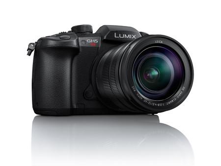 Lumix GH5S, la cámara insignia de Panasonic ahora con la mitad de resolución para hacer mejores fotos con poca luz