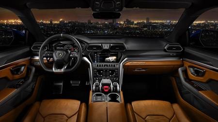 Lamborghini Urus 2019 4